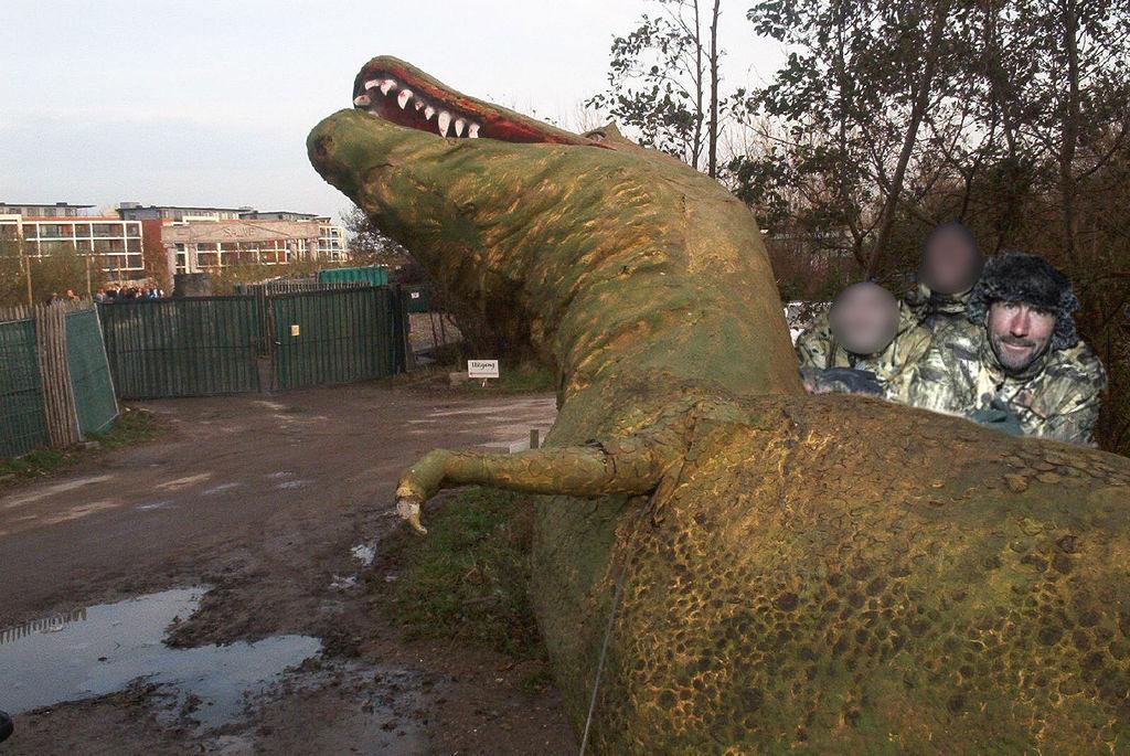 luc-alphand-chasse-dinosaure-mort Luc Alphand responsable de la disparition des dinosaures !