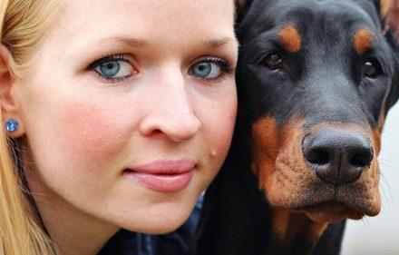 femme-chien-mariage-norvege-legal-zoophilie-secretnews