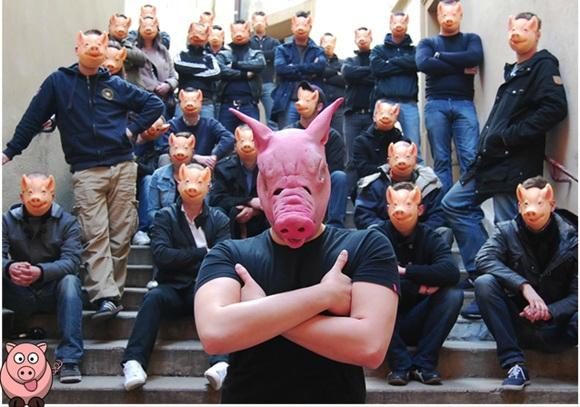 masques-masque-porc-cochon-racistes-fn Cinéma : Marine Le Pen incarnera Miss Piggy dans le prochain Muppet Show Français
