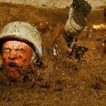 bombes-excrements-merde-soldat-militaire-nage-boue-150x150 Cantines scolaires : des traces de matières fécales retrouvées dans 70% des plats proposés aux enfants