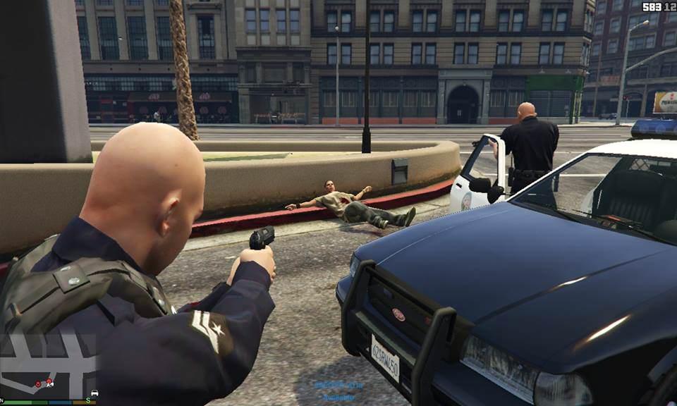 gtav-police-mod L'assaillant des Champs-Élysées avait préparé son attaque terroriste sur GTA 5 avec son petit neveu de 10 ans