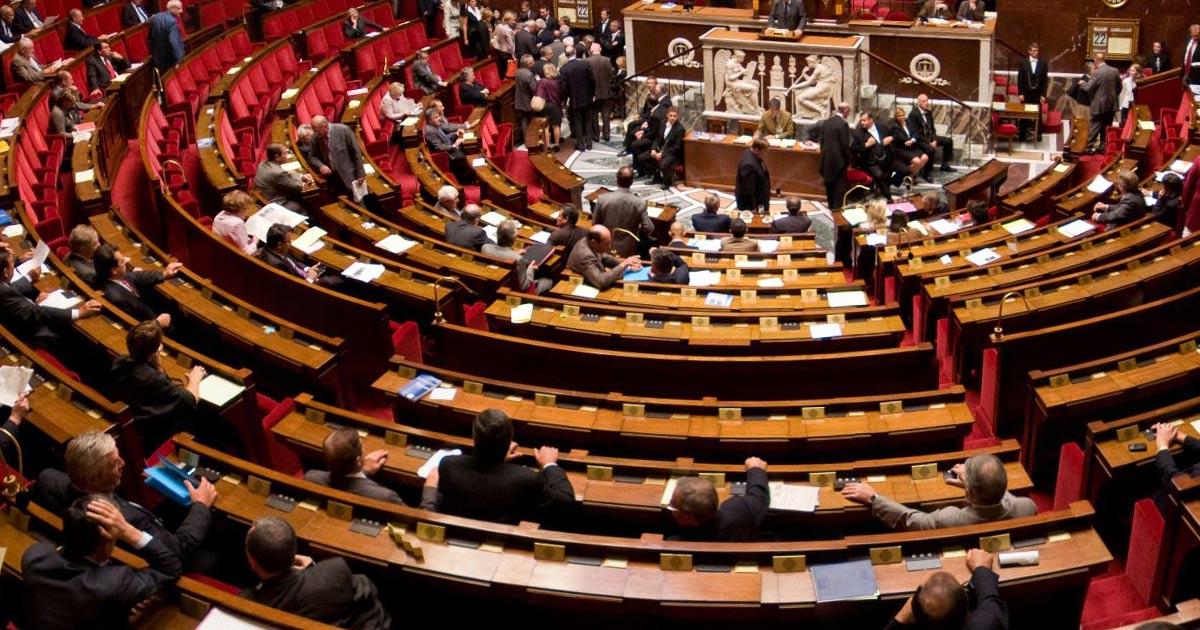 Radicalisation: les services de renseignement surveillent de près une cinquantaine de députés