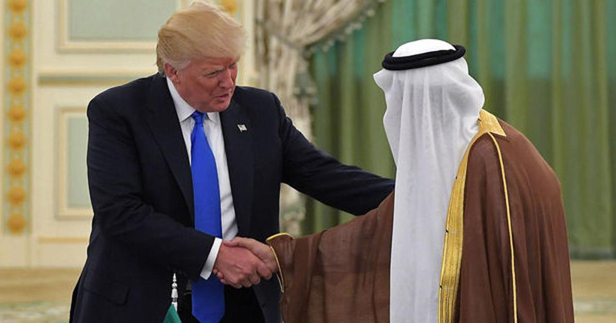 """Donald Trump à Riyad : """"Voici la preuve que je ne suis pas raciste, j'ai un ami arabe"""""""