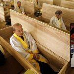 suicide-moines-coreens-chien-funetailles-enterrement-150x150 Le Château de Versailles accueillera 250 migrants pour les loger dignement
