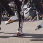 claquettes-chaussettes-jeunes-mode-150x150 Des jumeaux siamois se livrent une bataille juridique pour le droit de se masturber