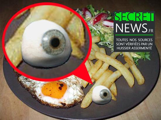 jean-marie-le-pen-colere-oeil-verre-tombe-repas-secretnews-1 Jean-Marie Le Pen furieux : son œil de verre tombe dans ses frites en plein repas