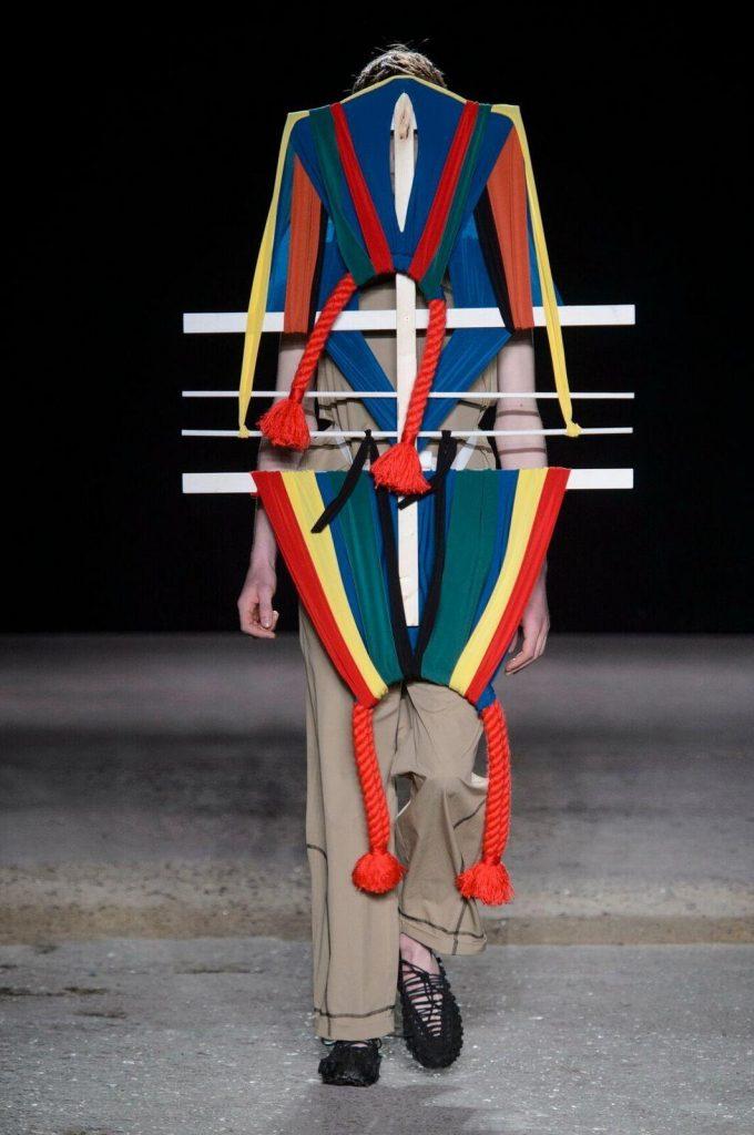 mode-look-ridicule-moche-9-680x1024 Messieurs, la mode se fout de votre gueule  ! Best Of de la fashion week 2017 (Véridique)