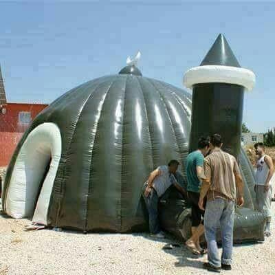 wp-image-321347371 Des mosquées gonflables font leur apparition sur les plages françaises