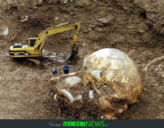 geant-nephilim-giant-photoshop-fake-hoax-6 Les géants et les nephilims ont existé  ! Ces photos du FBI déclassifiées par erreur le prouvent
