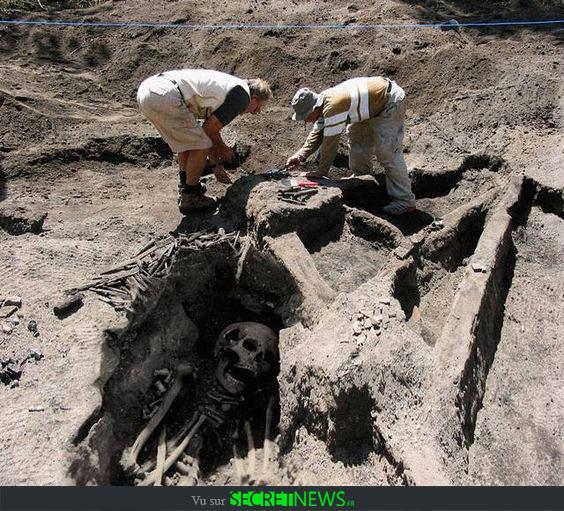 geant-nephilim-giant-photoshop-fake-hoax-9 Les géants et les nephilims ont existé  ! Ces photos du FBI déclassifiées par erreur le prouvent