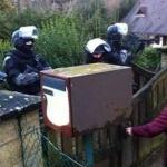 police-travail-chomeur-chomage-prison-150x150 Pour boucher le trou de la sécu, Macron demande aux malades d'être moins malades