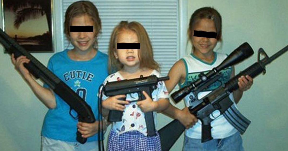 filletes-armees-enfants-armes-filles Pays-Bas : des chevaux génétiquement modifiés pour remplacer les cars scolaires