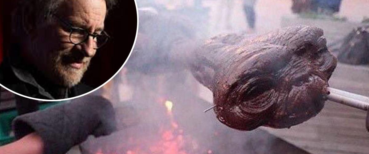 Steven Spielberg se livre sur l'assassinat de E.T. par des spécistes anti-vegan  : « C'est le drame de ma vie »