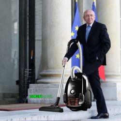 Tournante des corvées à l'Élysée : cette semaine c'est Gérard Collomb qui passe l'aspirateur