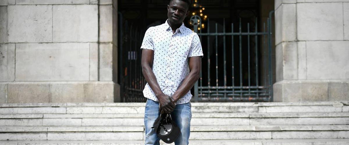 Mamoudou Gassama fait une demande de dénaturalisation en apprenant le montant des impôts qu'il devra payer