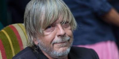 Renaud annonce qu'il va rebaptiser sa chanson «Manu» et l'intituler «Monsieur Le président»