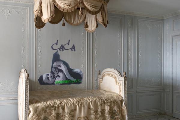 «Caca» – la nouvelle œuvre de Banksy découverte au château de Versailles fait réagir Stéphane Bern