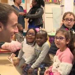 """La leçon de Macron aux enfants de maternelle : """"Ca sera plus dur en 2058 qu'aujourd'hui"""""""