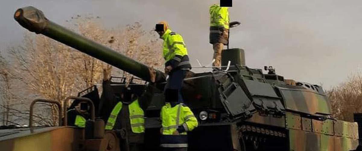 Les Gilets Jaunes cotisent leurs primes de Noël pour acheter un char d'assaut