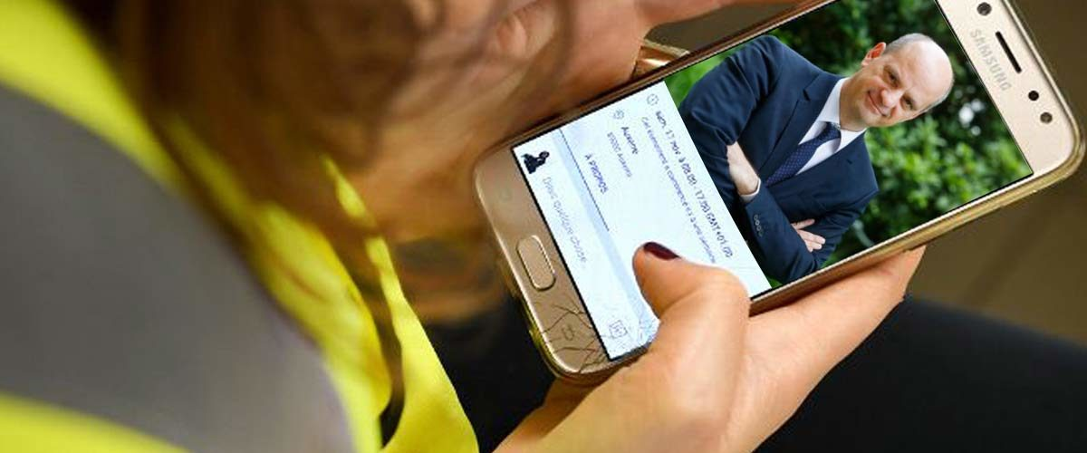Jean-Michel Blanquer veut étendre l'interdiction des téléphones portables aux Gilets Jaunes