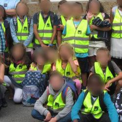 Des enfants Gilets Jaunes bloquent leur école et exigent une exonération des devoirs et leçons