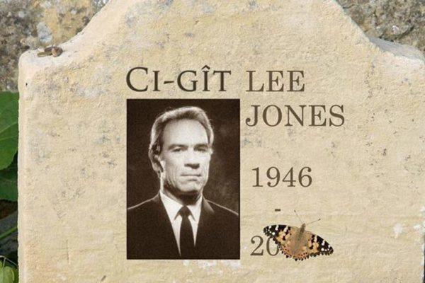 «Ci-gît Lee Jones» – En soutien aux Gilets Jaunes, l'acteur Tommy Lee Jones s'est donné la mort hier soir