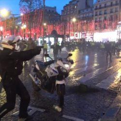 """Le policier qui a sorti son arme l'assure : """"c'était un pistolet à eau"""""""