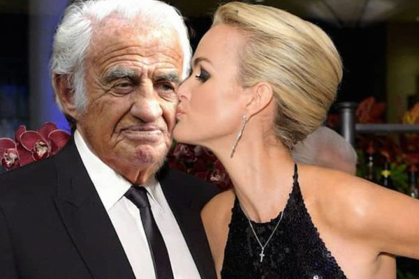 Lætitia Hallyday va épouser Jean-Paul Belmondo, « car on ne sait jamais ! »