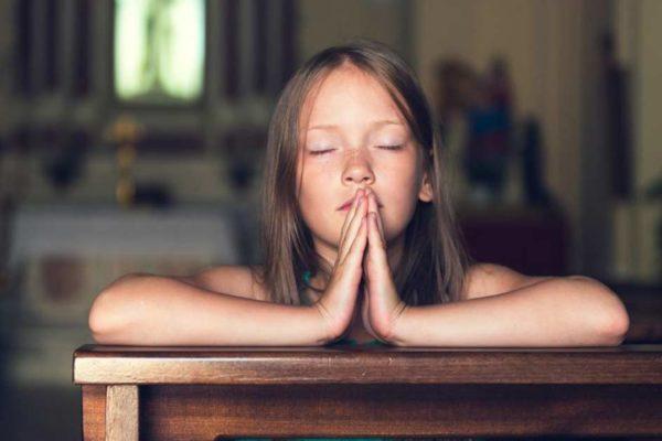 Nouvelle prière du Notre Père : «Au nom du parent 1, de l'enfant 1 et du Saint-Esprit non-binaire, Amen !»