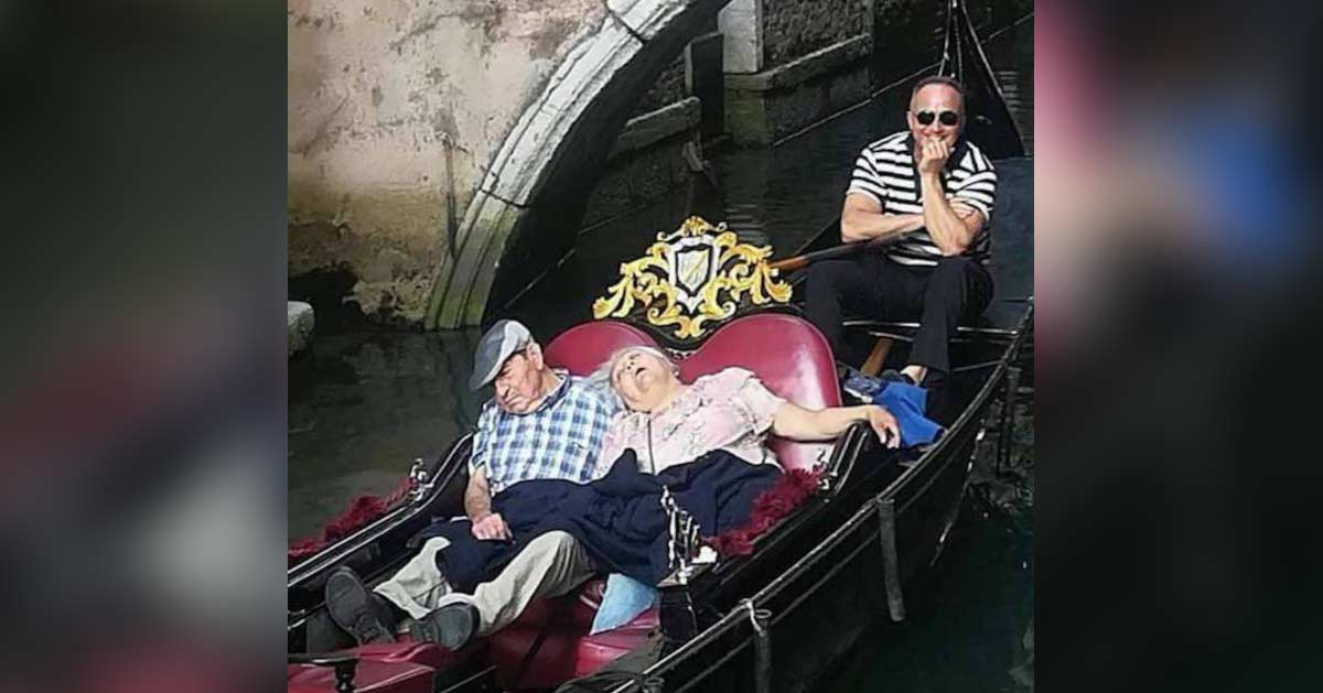 Venise : un gondolier gagne 10.000€ grâce à un couple qui s'endort pendant deux jours