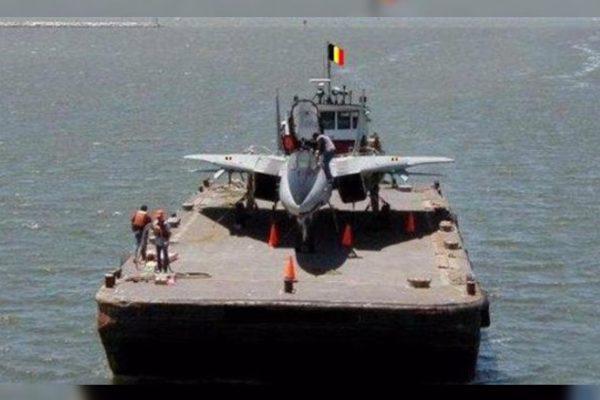 Gilets Jaunes : le porte-avion belge en renfort de l'armée française pour l'acte XIX