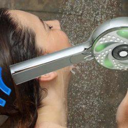Le premier pommeau de douche sans fil fonctionne par bluetooth